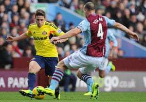 Sunderland hold Aston Villa, move off the bottom of EPL
