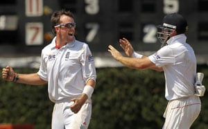 2nd Test: Swann puts England in charge against Sri Lanka