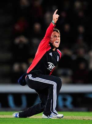 Graeme Swann named England T20 captain
