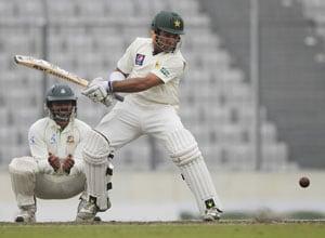 Day 3: Taufeeq's ton hurts Bangladesh