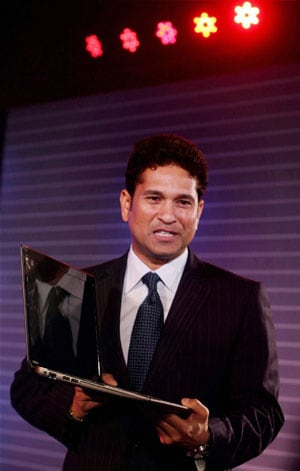 Sachin Tendulkar bats for green energy
