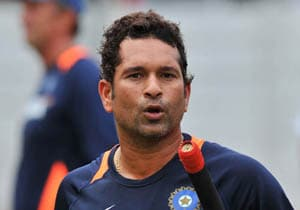 Sachin's presence lifts the team's morale: Dhoni