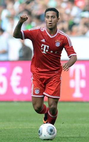 Thiago Alcantara nets debut goal as Bayern Munich brush aside Borussia Moenchengladbach