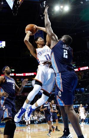 Oklahoma City Thunders build huge early lead to beat Charlotte Bobcats