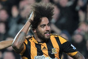 EPL: Hair-raiser Tom Huddlestone gets pitch-side trim