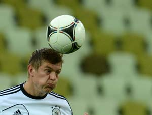 Germany's Toni Kroos to miss World Cup qualifying against Kazakhstan