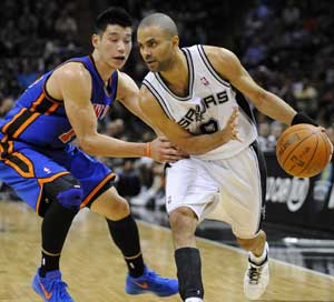 Parker, Spurs hand reeling Knicks another loss