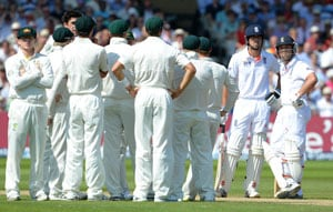 The Ashes controversy: How hot is Hot Spot? England angry over Jonathon Trott's dismissal