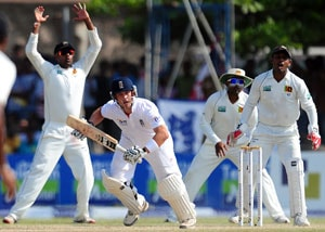 Sri Lanka vs England: Trott, Pietersen give visitors hope