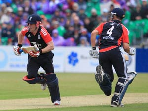 Morgan defends Trott's rate of scoring