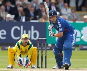 England beat Australia by eight wkts to win 4th ODI