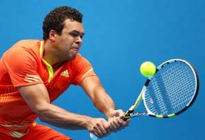 Australian Open: Tsonga eases into 4th round