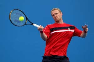 Tursunov through to quarterfinals at Open 13