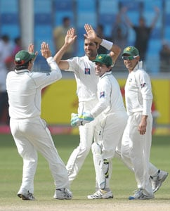 3rd Test: Pakistan clobber England for a whitewash
