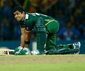 Umar Akmal fined for 'offensive' umpire snub