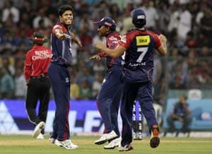 IPL 5: Delhi Daredevils go top with easy win over Mumbai Indians