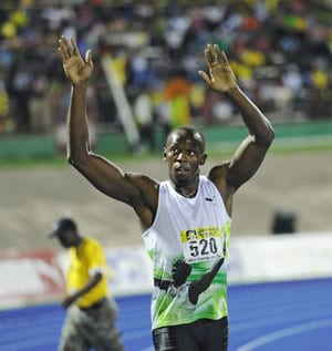 Usain Bolt opens 2012 with world leading 9.82