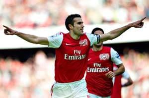 Arsenal determined to keep Van Persie: Wenger