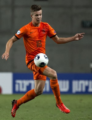 Chelsea agree to sign Dutch midfielder Marco Van Ginkel