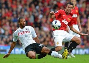 Van Persie scores as Manchester United defeat Fulham