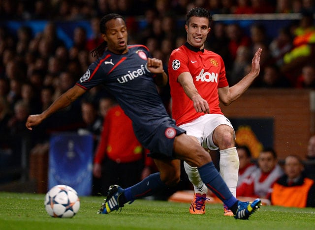 Manchester United F.C. in UEFA Champions League quarters after Robin van Persie hat-trick vs Olympiakos