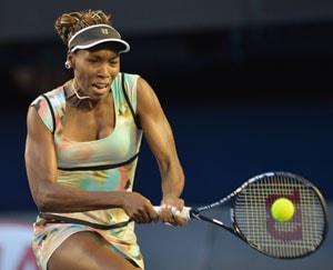 Venus Williams says Serena will play on despite injury