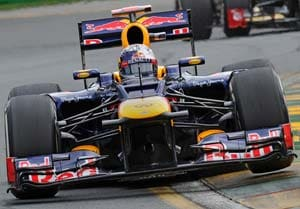 US Grand Prix: Sebatsian Vettel eases ahead of Mark Webber in fog-hit second practice