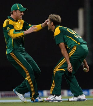3rd ODI: Clinical South Africa down Pakistan to take series lead