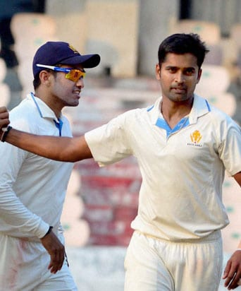 Ranji Trophy Semi Finals: Vinay Kumar's Six Wicket Haul Bundles Out Mumbai for 44 in First Innings