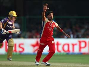IPL 2013: We have been giving away runs in death overs, says Vinay Kumar