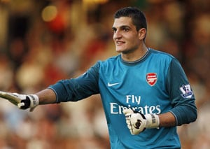 Sunderland sign Vito Mannone from Arsenal