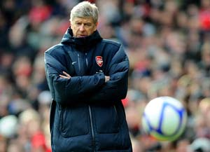 Wenger urges his Arsenal squad to maintain focus