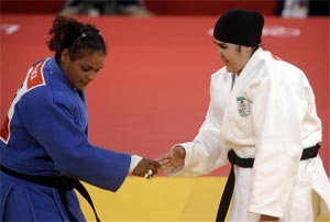 Saudi womens Olympic judo bout over in 82 seconds