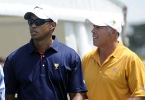 Loss for Woods, lead for US in Presidents Cup
