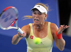 Wozniacki struggles, Denmark lose to Bulgaria