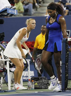 Serena runs away from Wozniacki