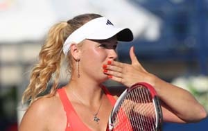 Wozniacki beats Jankovic to reach Dubai final