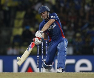 World T20-Super 8: England beat New Zealand by 6 wickets