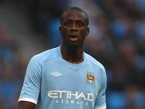 Manchester City's Yaya Toure signs new deal