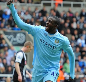 Yaya Toure vows to stick with Manchester City