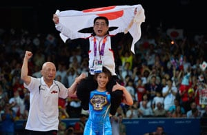 London 2012: Yoshida carries off coach after wrestling treble