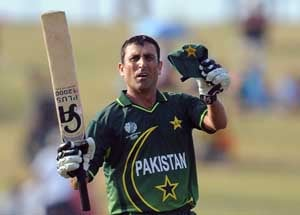 Younis, Gul return to Pakistan squad for Tests