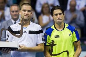Mikhail Youzhny upsets David Ferrer to take Valencia title