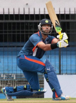 Yuvraj Singh shines as India Blue edge India Red by 11 runs to make Challenger Trophy final