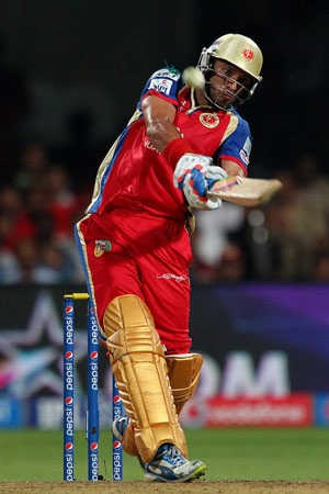 Singh of Sixes: Yuvraj Magic Lights up Bangalore Sky Once Again