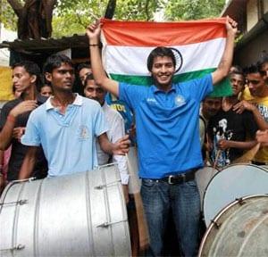 Mumbai Hockey Association felicitates Yuvraj Walmiki