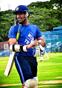 Yuvraj Singh picked for World T20, says will be 100 % fit