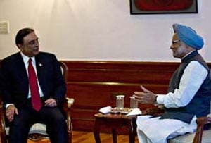 President Zardari writes to PM Manmohan Singh, welcomes revival of cricket ties