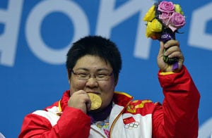 London 2012: Zhou wins over-75kg weightlifting gold with world record