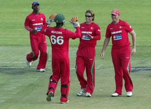 Zimbabwean cricketers agree to end strike over unpaid wages